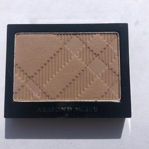 Burberry Eyeshadow In Almond
